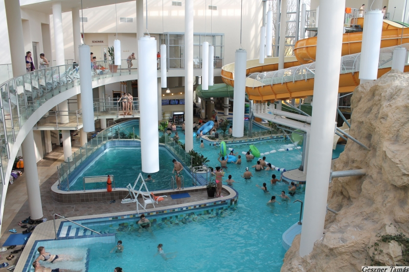 Gyulai Baths aquapalota