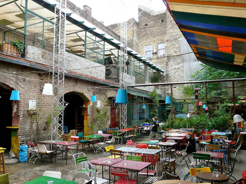 Ruin Pubs Budapest Szimpla Kert