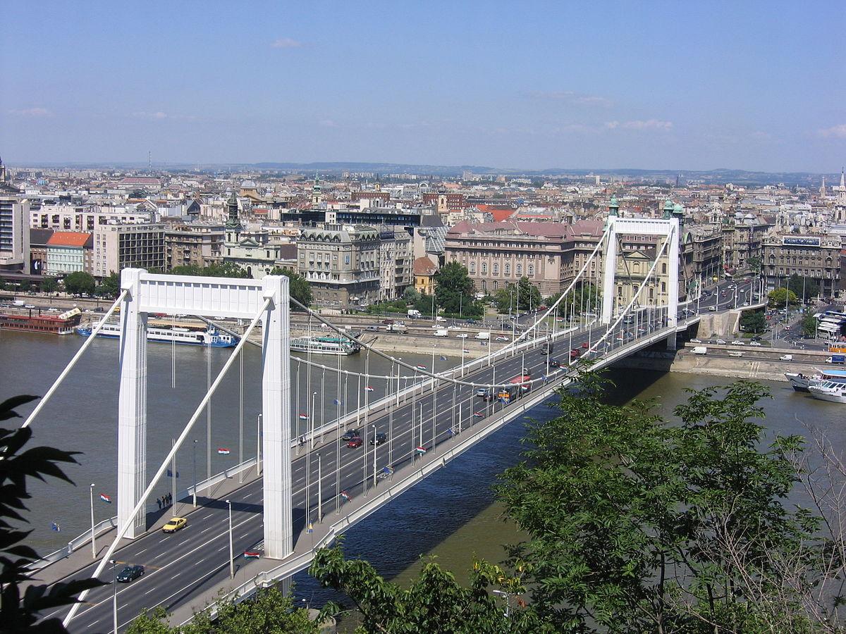 erzsebet bridge budapest