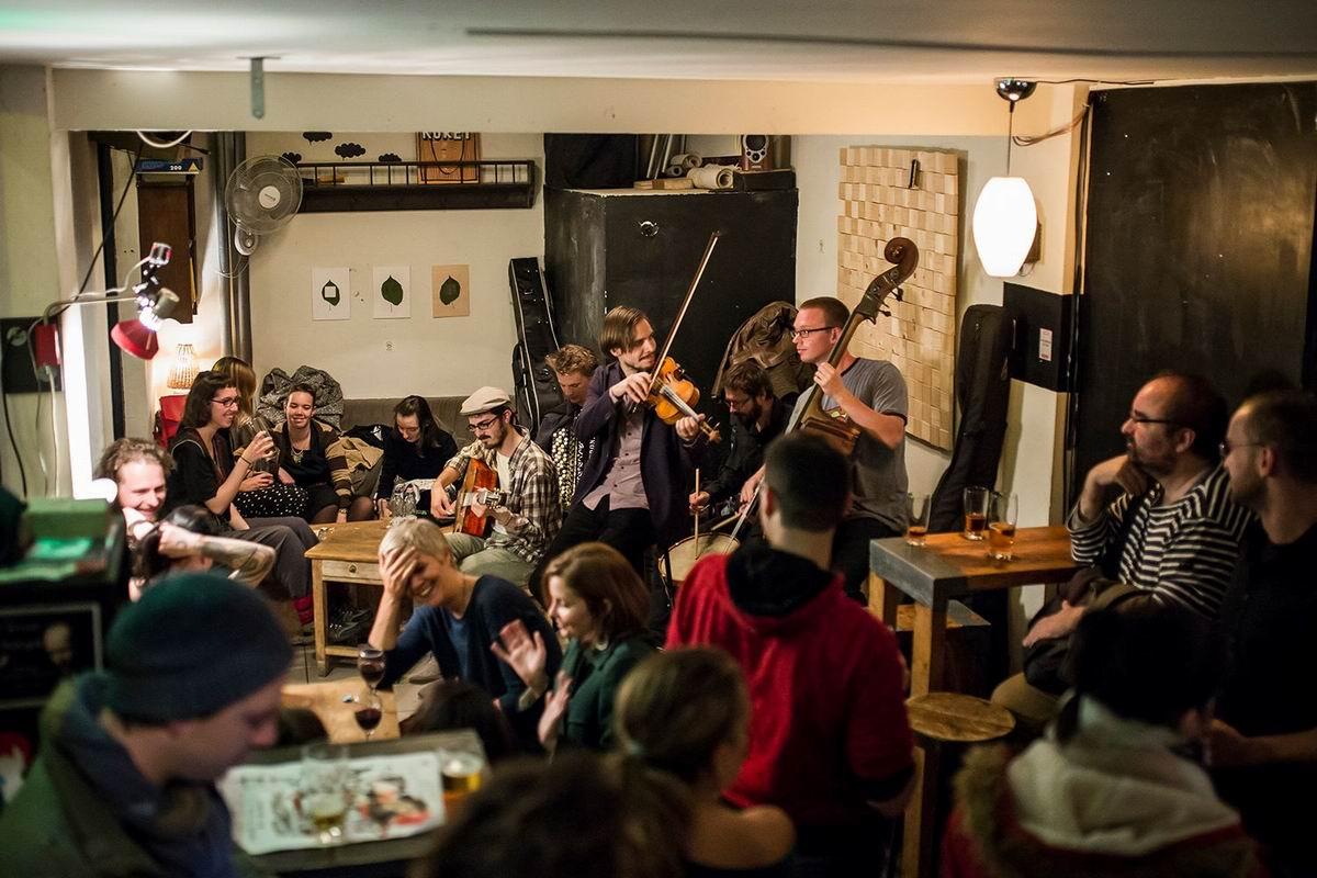 Fekete Kutya Budapest ruin bar