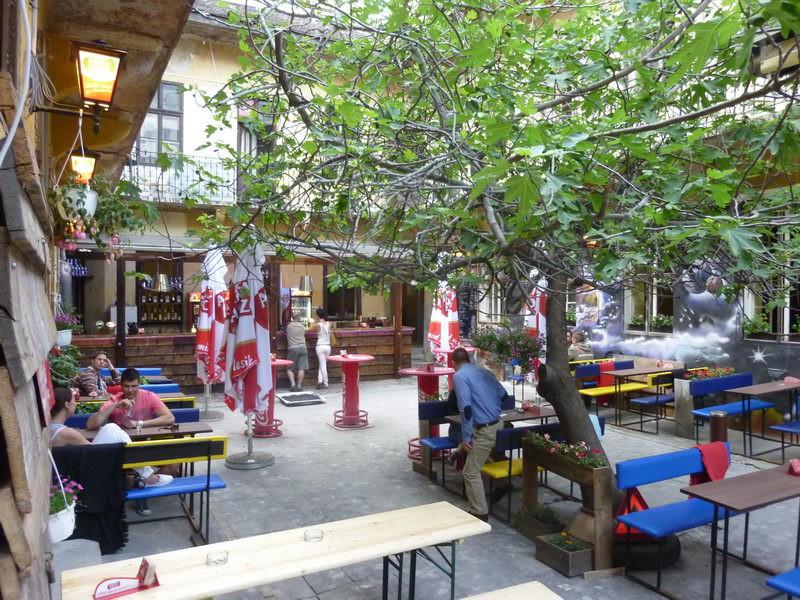 Füge Udvar Ruin Bar Budapest