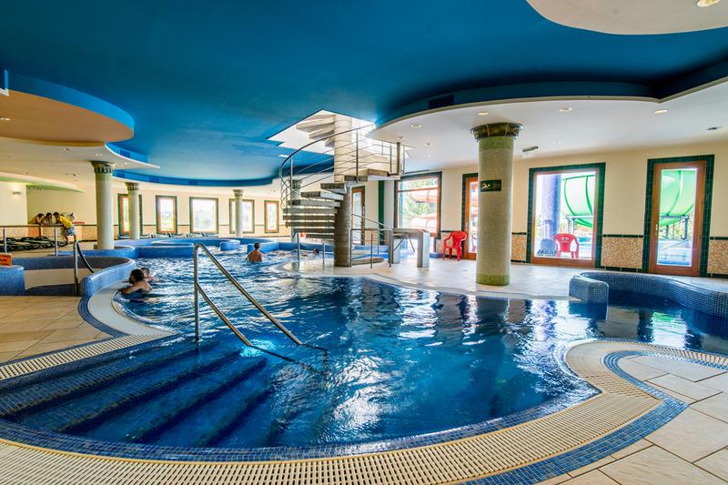 Balatonfüredi Annagora Aquapark fedett élménymedence