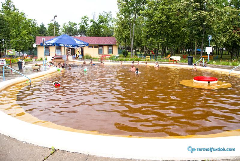 Debrecen Kerekestelepi gyógyfürdő strandfürdő