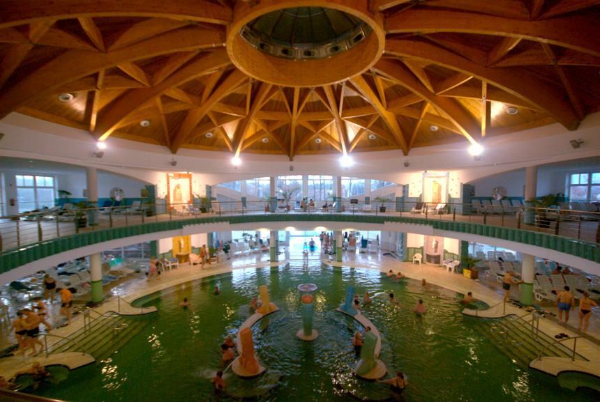 Szigetvári Gyógyfürdő élményfürdő