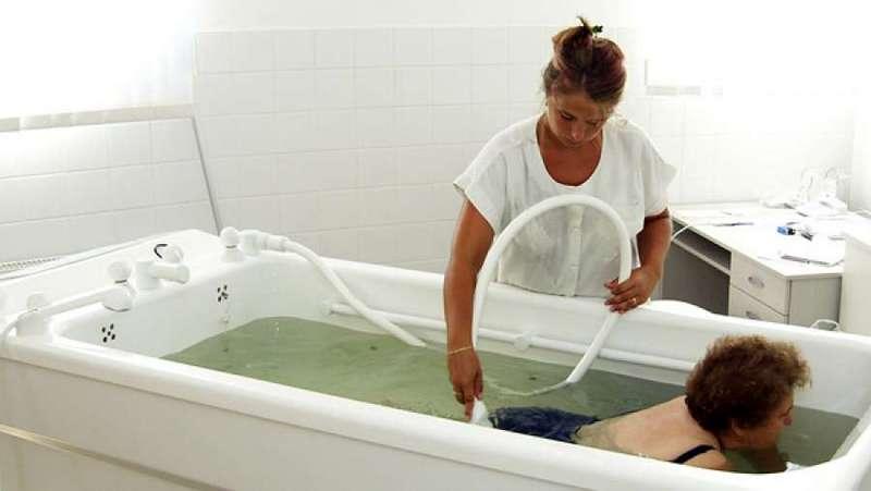 Barcsi Gyógyfürdő medencefürdő