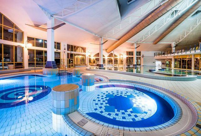Sárvári Gyógyfürdő wellnessfürdő