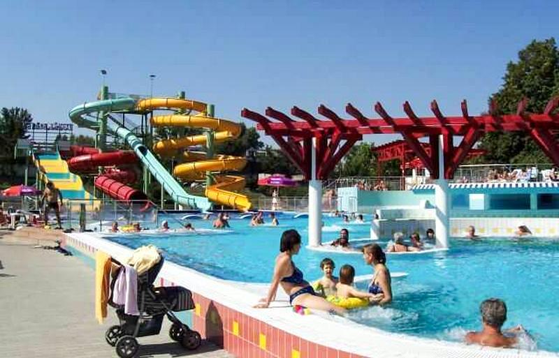 Dunaújvárosi Aquantis élményfürdő