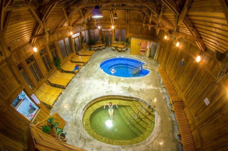 Borszéki fürdő Ó-Sáros fürdő medencék
