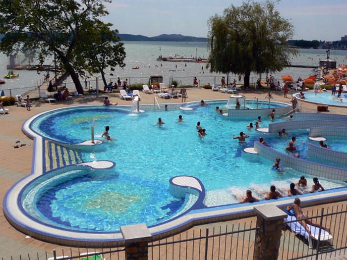 Balatonfüredi Esterházy Strand és Élményfürdő