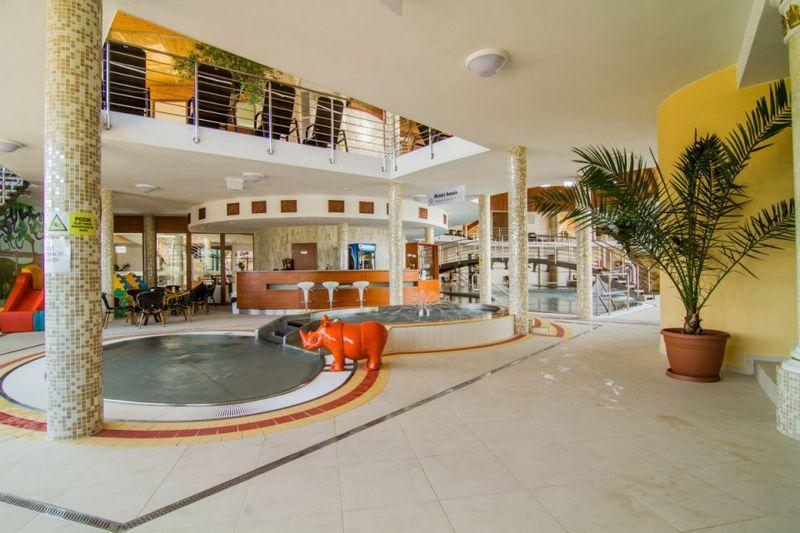 Kúpalisko termálfürdő Aquamarin Wellness Központ