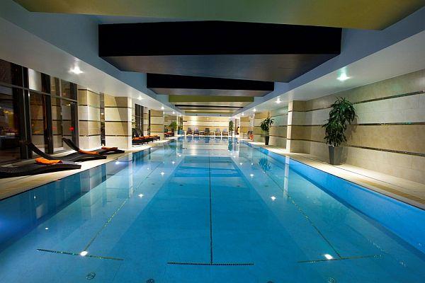 Hotel Divinus Debrecen belső medence