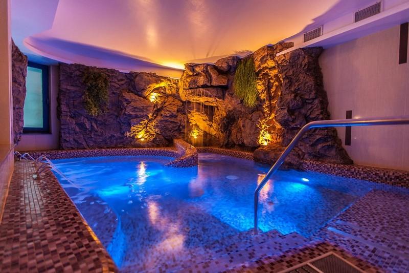 Hotel Panoráma Siófok barlangmedence