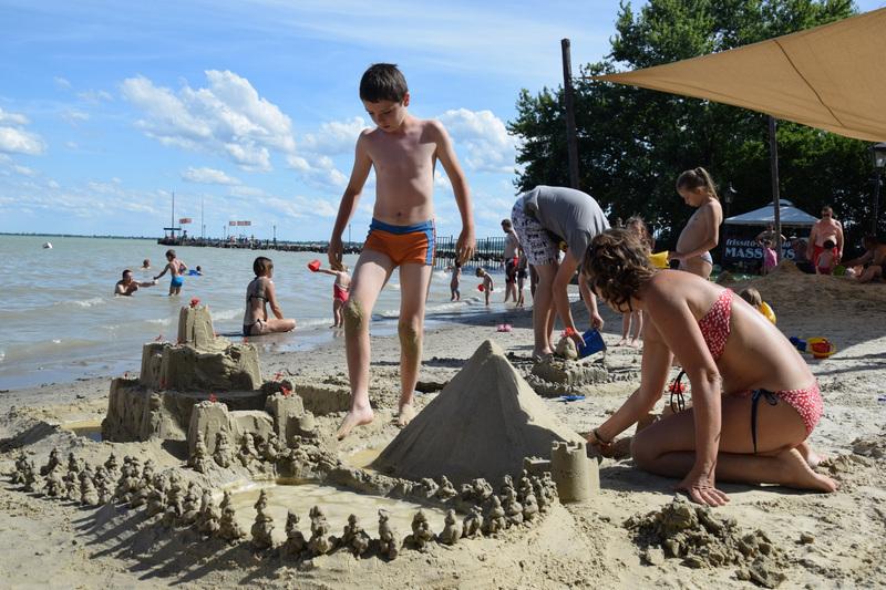Balatongyörök strand homokvár