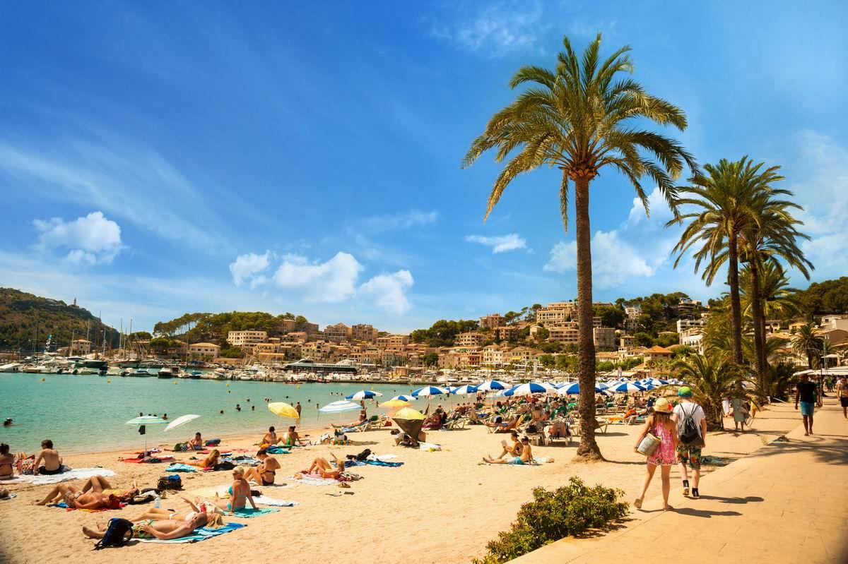 Palma-de-Mallorca-beach-Port-de-Soller