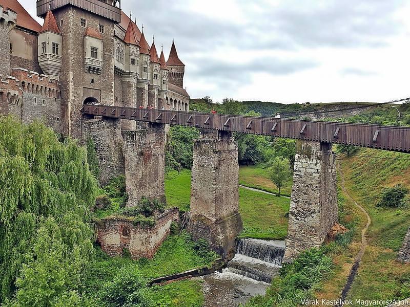 Vajdahunyad vára kapu erdély középkor