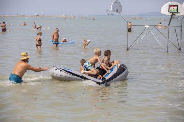 Balaton balatonfenyves strandolók