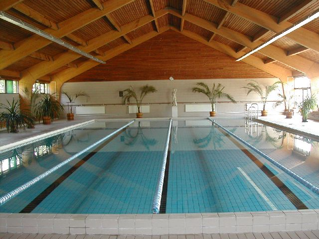 Balf gyógyfürdő úszómedence