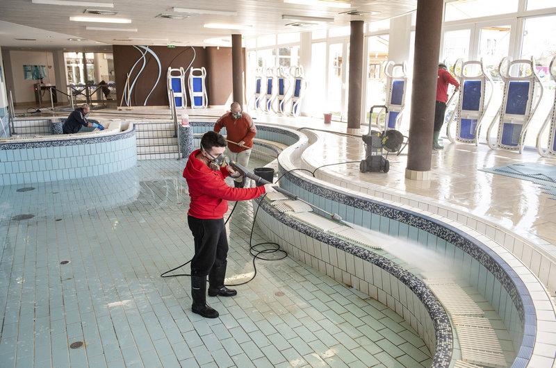 Aquarius Élményfürdő nyíregyháza