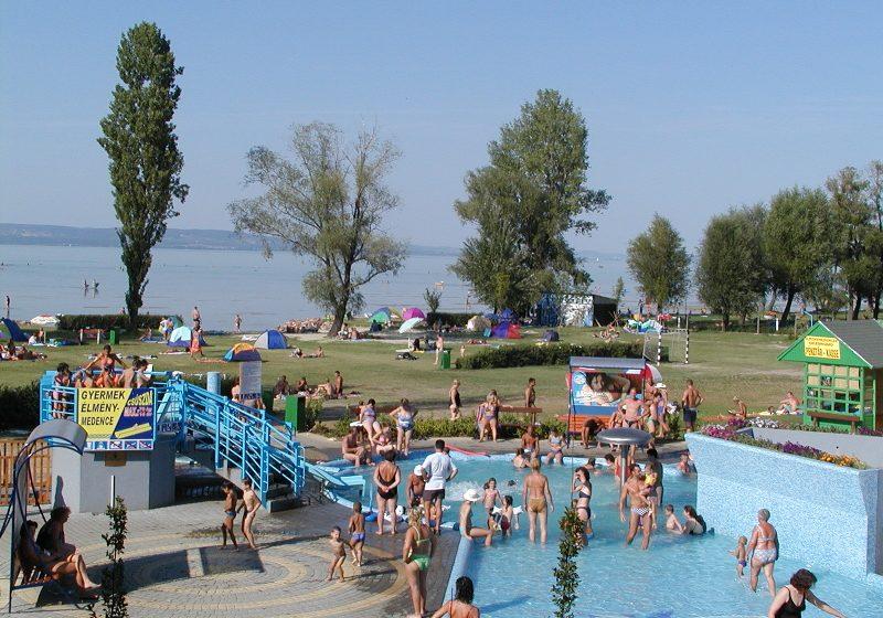 Balatonlelle Napfény Strand és élményfürdő